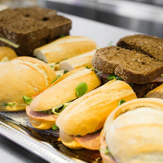 Groepslunch Mix Sandwich Stokbrood Bollen